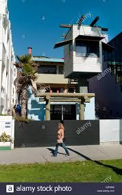 venice beach house by frank gehry architect at venice