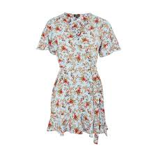dress brands 14 chic and affordable clothing brands that cater to petites
