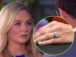 100000 engagement ring ben higgins and bushnell must return their bachelor ring