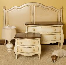 beautiful vintage look bedroom furniture on antique looking