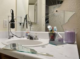 Mirror In A Bathroom Española Shootout Kills Suspect Wounds Police Officer