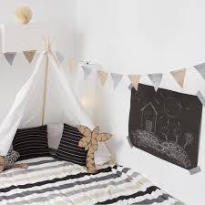 cabane pour chambre idées deco de cabane d intérieur pour chambre d enfants magazine