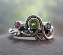 unique mothers ring sterling silver with peridot
