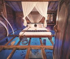 hotel en suisse avec dans la chambre chambre d hôtel avec lit sur l eau côté maison