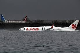 lion air pilot errors blamed for 2013 lion air jet crash in indonesia wsj