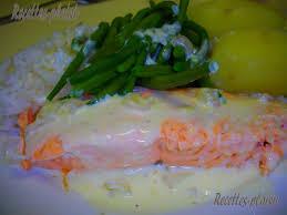 comment cuisiner un pavé de saumon pavé de saumon sauce blanche avec légumes et féculents recettes
