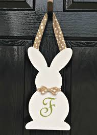 Wooden Hanging Easter Decorations by 937 Best Easter Decorations And Centerpieces Images On Pinterest
