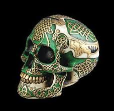 Celtic Skull - ancient celtic skull altar