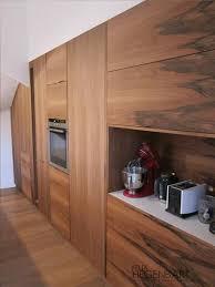 cuisine integre cuisine équipée intégré au mur en bois felix hegenbart