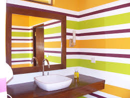 paint horizontal stripes on textured wall with hd resolution