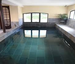 chambre piscine la grenade bleue table d hôte piscine intérieure à pons