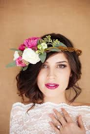 wedding flowers hair tips and ideas for wearing fresh flowers in your hair for your wedding