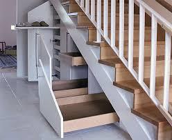 treppen selbst bauen stauraum unter der treppe optimal nutzen bauen de