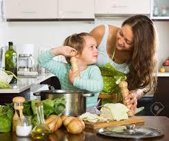 cuisine a domicile maman et la fille la cuisine à la cuisine à domicile