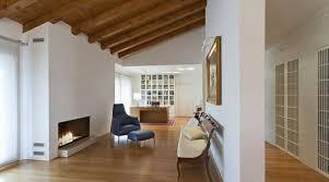 arredo mansarda moderno un attico a pordenone raffinatezza e design tra antico e moderno