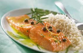 cuisiner pave de saumon pavé de saumon au riz au citron et au romarin