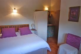 gite 6 chambres une des 6 chambres du gîte la guaribote lit 160x200 et sa salle de