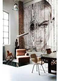 decorar con arte literalmente etxekodeco antonio mora wood cool painting woodboy collage over wood planks 280x 320 cms artwork antonio mora