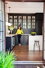 Black And White Kitchen Cabinets by Best 10 Black Kitchen Island Ideas On Pinterest Eclectic
