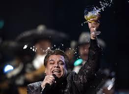 famous mexican singers reports legendary latin singer juan gabriel dead sfgate