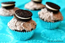 chocolate cupcakes with oreo buttercream
