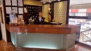 Front Desk Attendant Lourdes Suites Reviews Photos U0026 Rates Ebookers Com