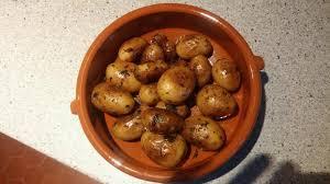 comment cuisiner les pommes de terre grenaille recette pommes de terre grenailles sautées au persil et à l ail 750g