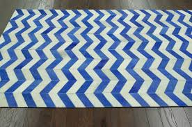 Blue Wave Rug Wave Chevron Hide Rug From Modella Wool By Nuloom Plushrugs Com