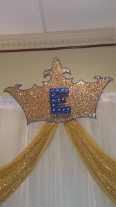large backdrop crown large crownbackdrop gold crowninitial