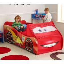chambre garcon cars stickers voiture pour chambre garcon 7 chambre enfant cars