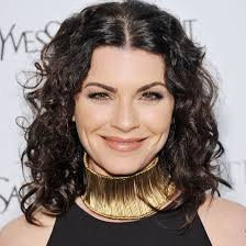 julianna margulies haircut julianna margulies s changing looks instyle com