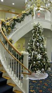 decorate christmas tree professionally professionally decorated