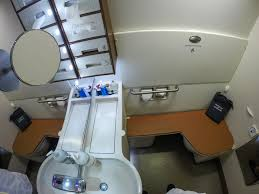 Most Comfortable Airlines What It U0027s Like To Fly The 23 000 Singapore Airlines Suites Class
