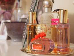 vanity trays for perfume plateau de parfums plateaux de parfums pinterest vanity tray