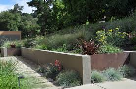 superb cinder block retaining wall decorating ideas images in