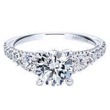 Difference Between Engagement Ring And Wedding Ring by What Is The Difference Between An Engagement 2017 Quora