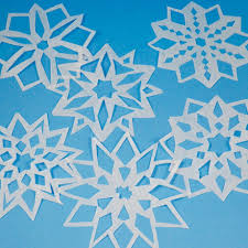pattern making tissue paper easy way to make paper snowflakes friday fun aunt annie s crafts