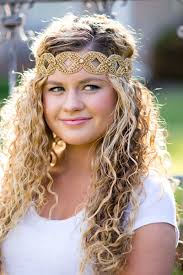 headbands that go across your forehead 11 easy headband hairstyles for naturally curly hair