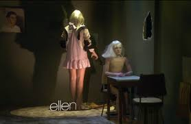 Sia Singing Chandelier Live Sia S Performance Of Chandelier On