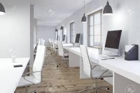bureaux blancs intérieur de bureau de coworking avec le plancher en bois les