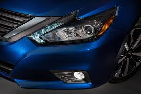 nissan altima yellow engine light 5 things to know about the 2016 nissan altima