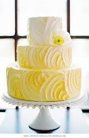 10 brilliant yellow cakes