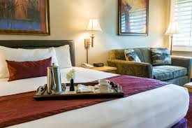Hotels Near Six Flags White Water Grand Vista Simi Hotel Welcome To Grand Vista Hotel