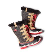 sorel tofino womens boots size 9 what pair of boots are you wearing this winter femalefashionadvice