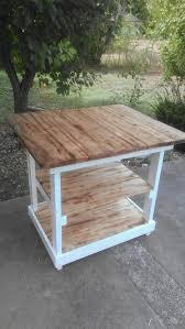 pallet kitchen island best 25 bar made from pallets ideas on diy outdoor