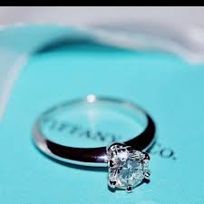 Tiffany Wedding Rings by Best 20 Tiffany Setting Engagement Ideas On Pinterest Platinum