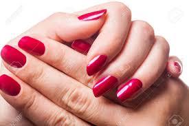 imagenes graciosas de uñas graciosas manos de una mujer con las uñas pintadas de color rojo muy