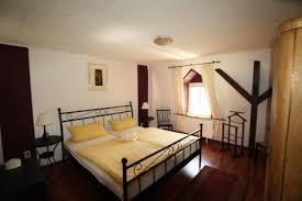 Schlafzimmer Betten H Fner Ferienwohnung Casa Doreli Deutschland Kröv Booking Com