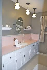 Bathroom Wall Color Ideas by 73 Best What To Do With A 50 U0027s Pink Bathroom Images On Pinterest