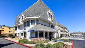 Uc Davis Medical Center Hotels Nearby motel 6 oakland airport hotel in oakland ca 79 motel6 com